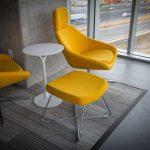 Sedie e tavoli: forme tradizionali e materiali nuove